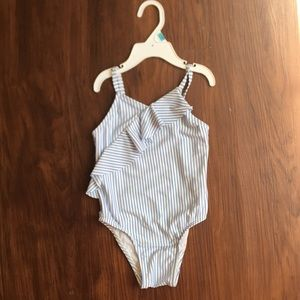 Brand new Old Navy 5T bathing suit 👙